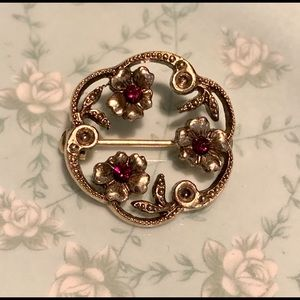 Vintage Floral Brooch Pin Gold Tone